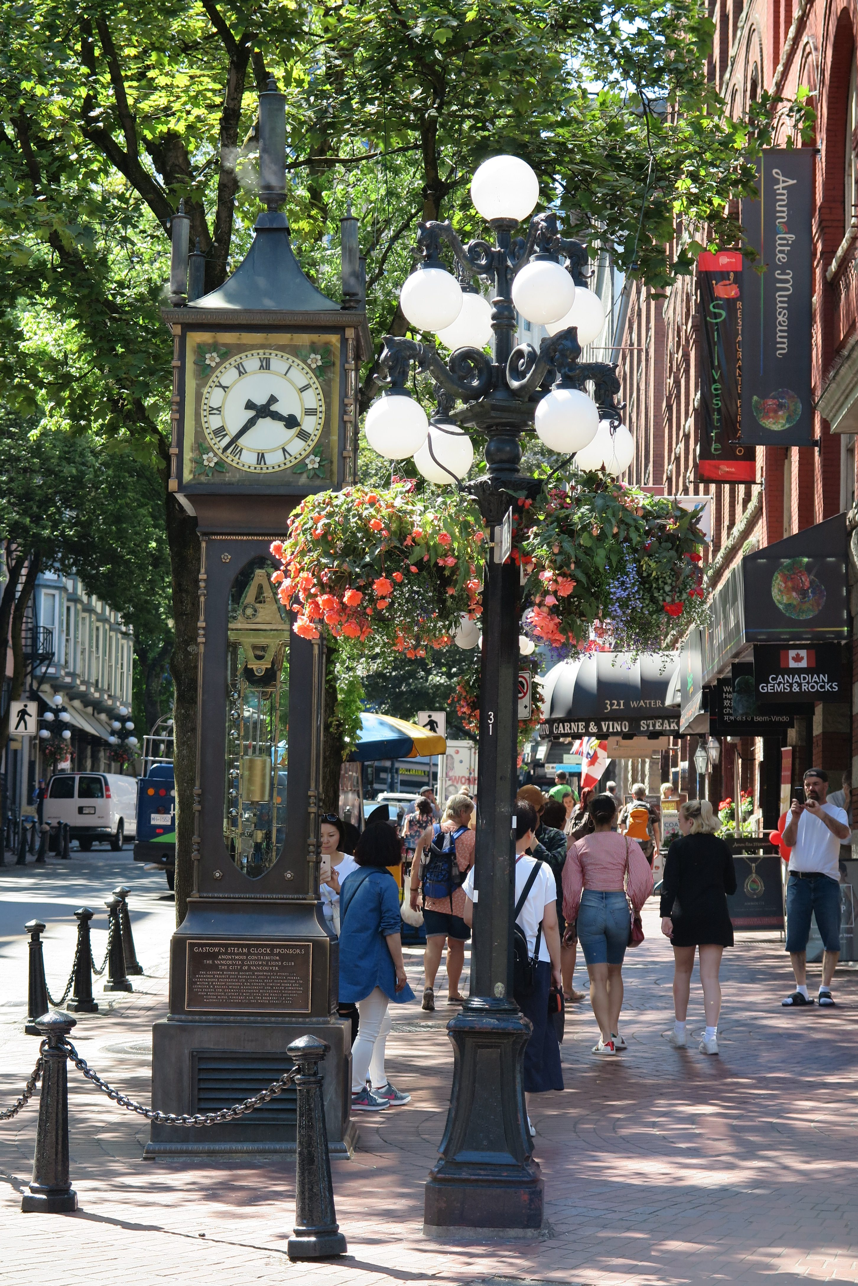 Gastown steaming clock