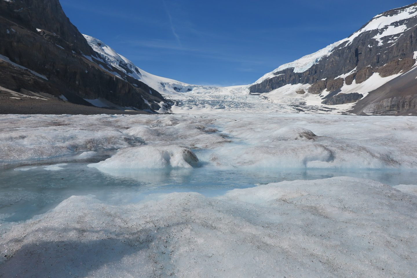 A GLACIER ADVENTURE: THE ICEFIELDS PARKWAY